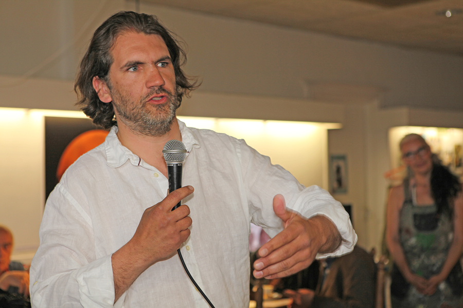Michel Caes - Ecorevolte Onze chef van de keuken heeft een boeiend verhaal over ons voedsel